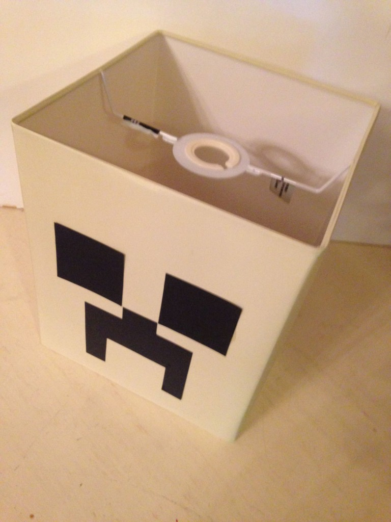 Creeper tutorial -stick the card to the lightshade