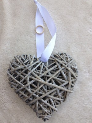 wedding ring heart