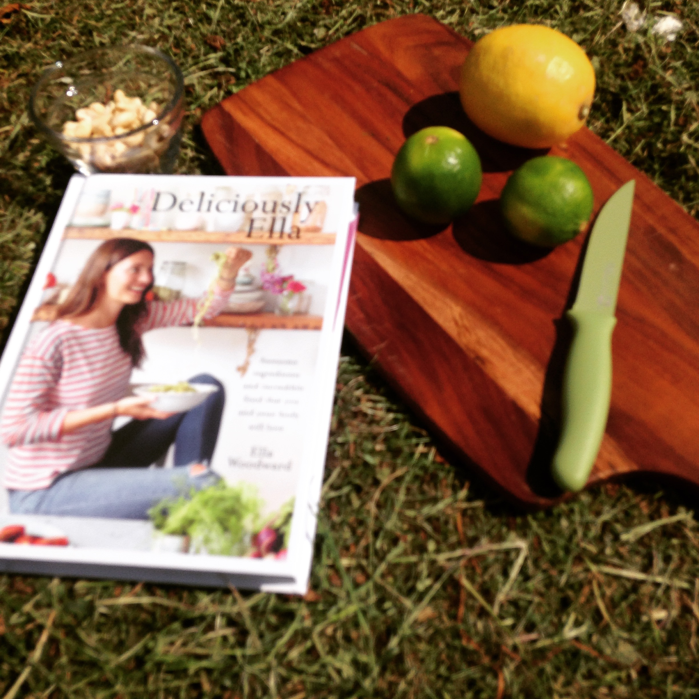 Deliciously Ella book hero shot