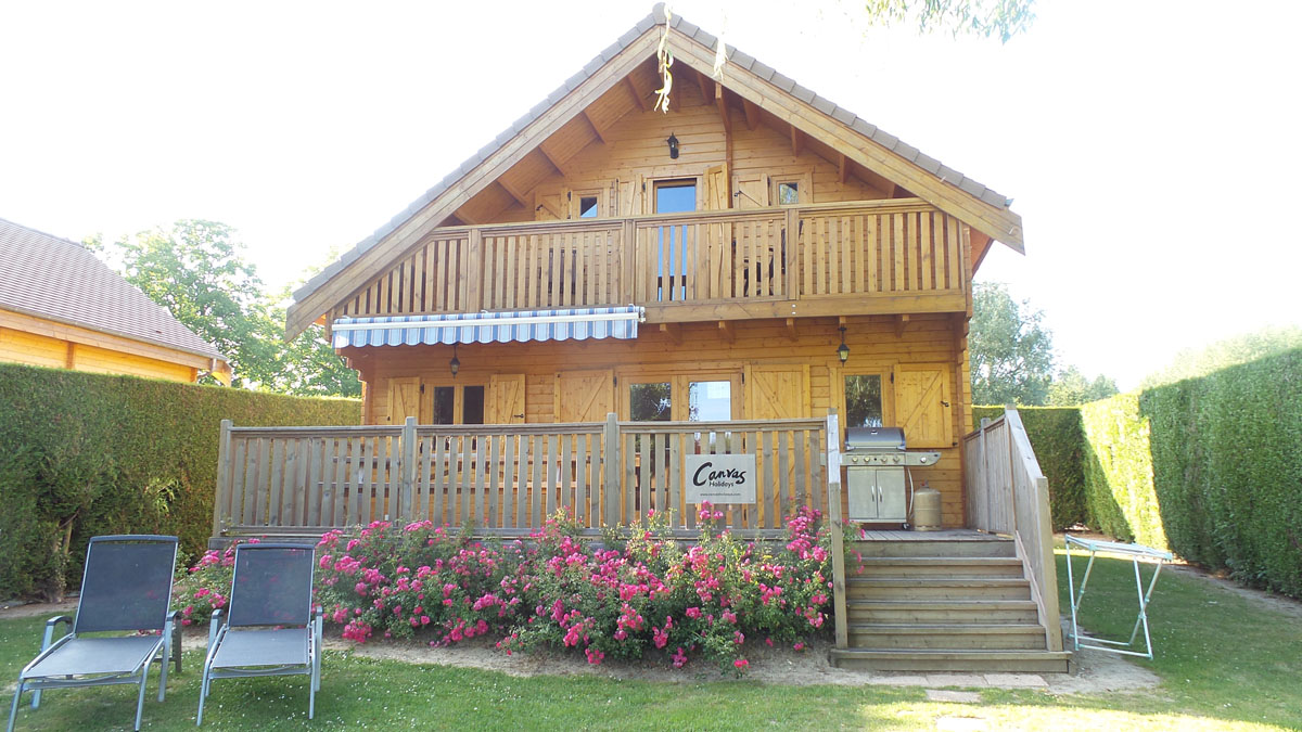 our lodge at Camping la Croix du Vieux Pont