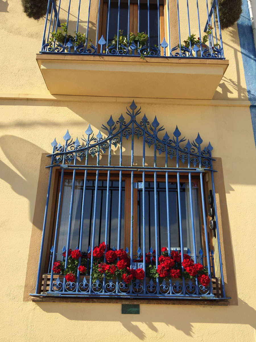 blue window trellis