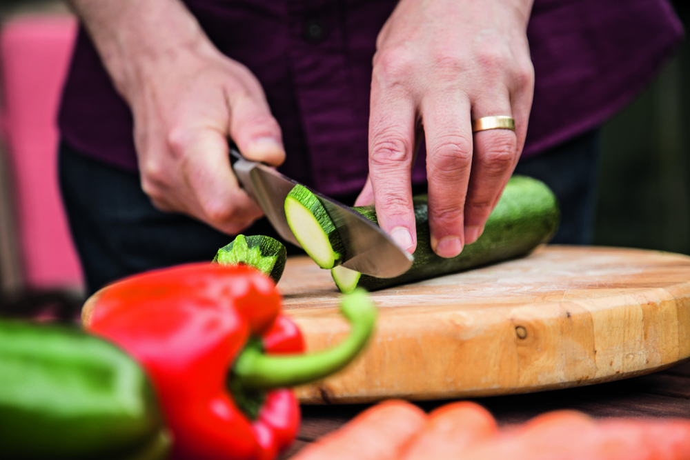 Keith on Food - Cutting courgette